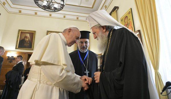 Papa Francesco in Bulgaria esorta ad aprire cuore e case ai migranti